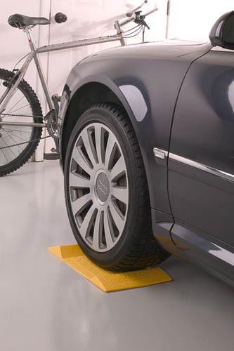aide au parking, garer voiture, sabot pour roue garage, garage facile, jaune