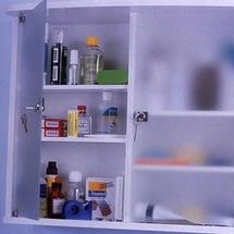Quels sont les produits indispensables dans votre armoire à pharmacie ?