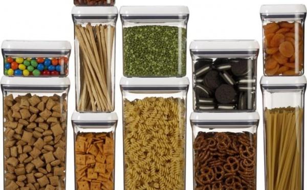 Des bocaux alimentaires hermétiques à exposer