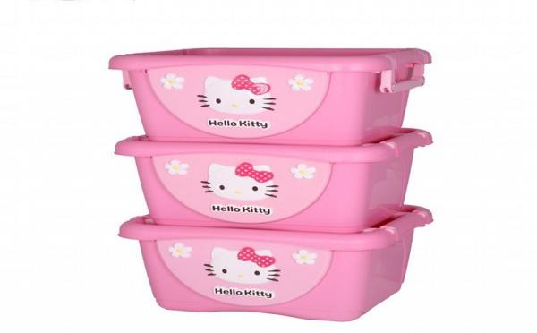 Des boites de rangement Hello Kitty pour la chambre des enfants