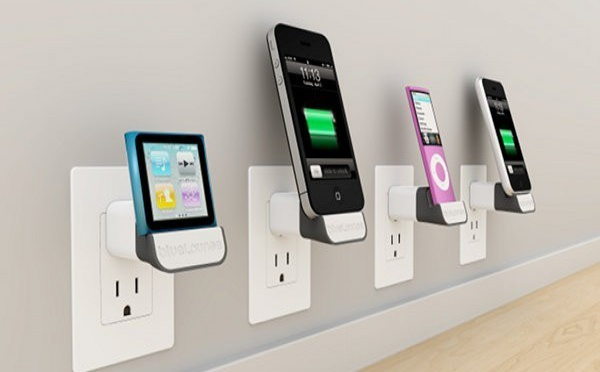 Chargeur pour iPhone : mini-dock et chargeur de voiture