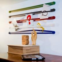 Dans le salon ou le bureau, le porte-tout mural