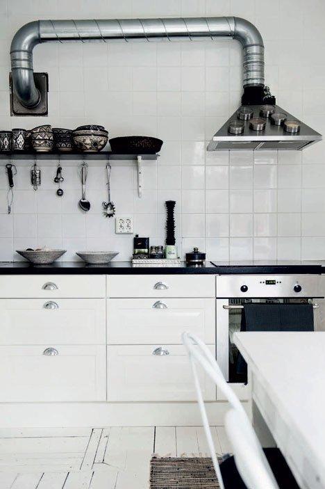 Rangement magnétique pour hotte de cuisine