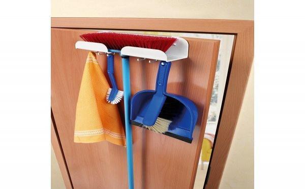 Rangement gain de place pour ustensiles et produits ménagers