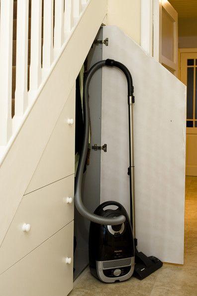 Comment utliser l 39 espace sous un escalier - Tiroir coulissant sous escalier ...